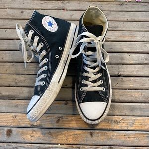 Converse chuck Taylor high top sneakers size 9.5